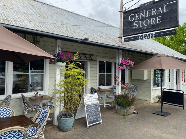 Cafes in Berrima with outdoor dining